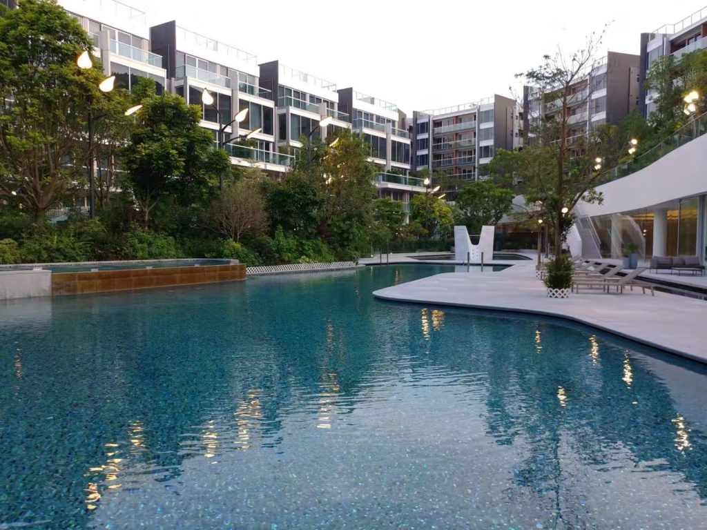 香港新楼盘傲泷花园泳池